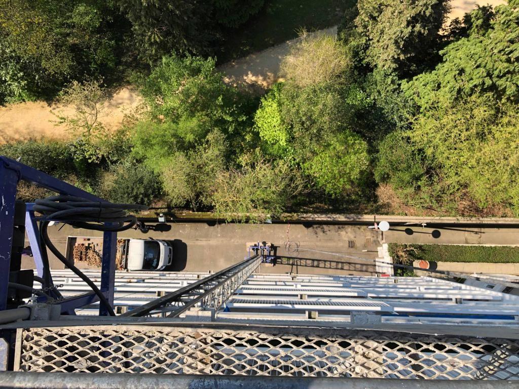 Un accès à la toiture en moins de 5 minutes a 35 mètres : ça donnerait presque le vertige